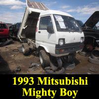 Junkyard Mitsubishi Minicab Dump Truck