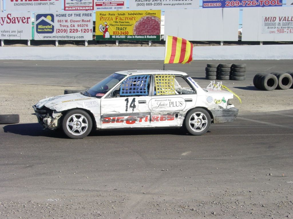 24 Hours of LeMons: The Winners and More From Buttonwillow