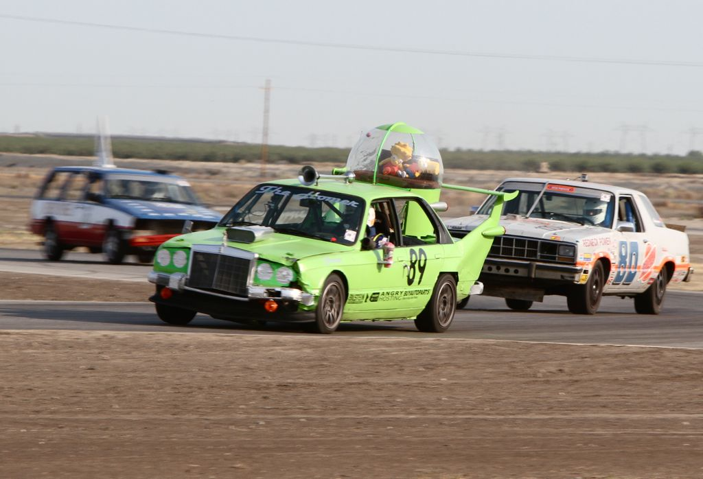 The BMW E30 based Homer leads our Ford Fairmont at Buttonwillow